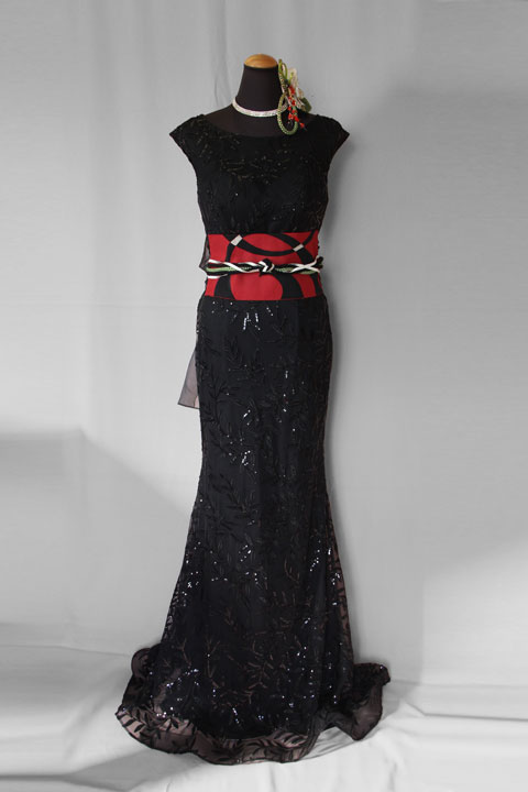 黒のマーメイドドレスに和の帯をリメイク